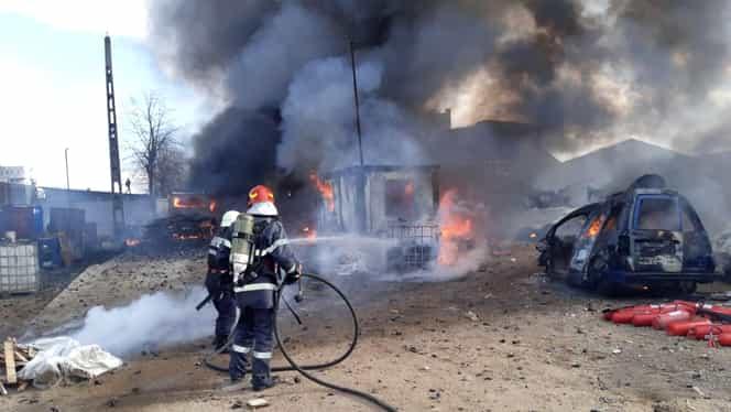 Incendiu puternic în județul Prahova! ISU a transmis mesaj prin serviciul Ro-Alert din cauza fumului des