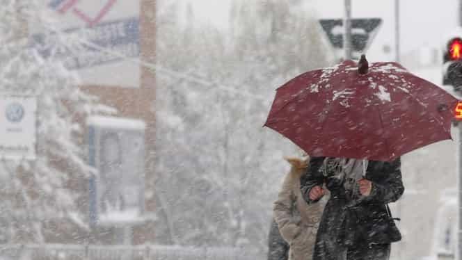 Vremea se schimbă în toată ţara. Ploi şi ninsori în acest weekend