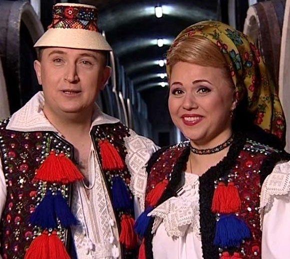 Cornelia Rednic, aparitie incredibila! Nimeni nu si-ar fi putut imaginea ca va fi surprinsa ASA cea mai fidela sotie din showbiz! Oamenii au ramas uimiti!