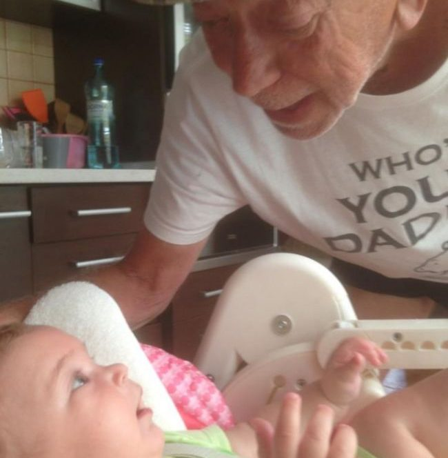 Când fiica sa mică, Mina, a venit pentru prima dată în casa familiei Brenciu, acesta a declarat, cu toată fericirea