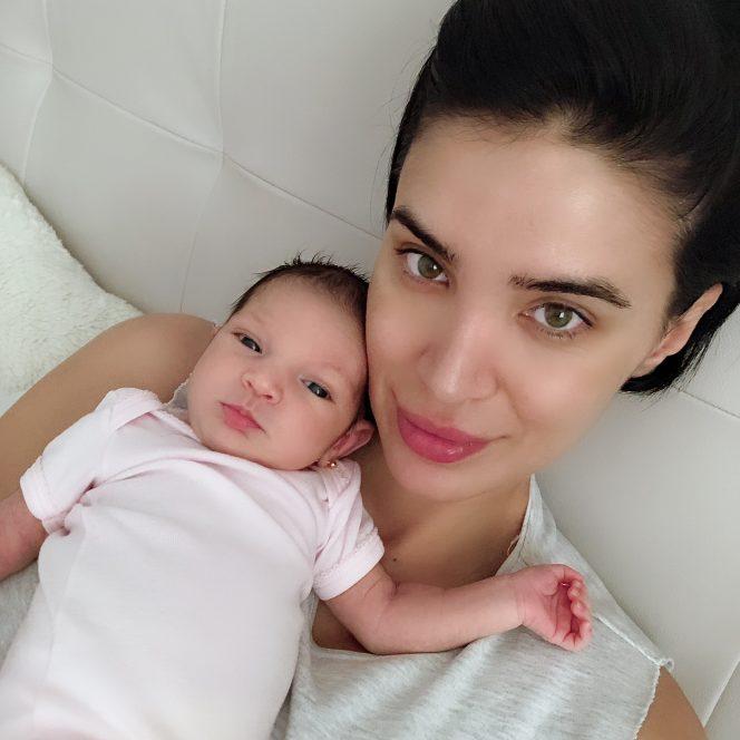 Adelina Pestrițu a publicat primele imagini cu fetița ei , Zenaida-Maria