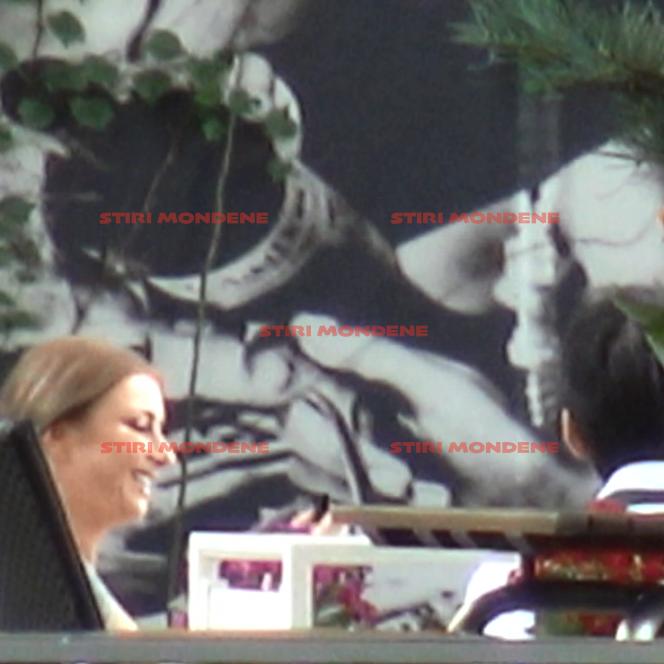 Imaginile în exlusivitate îi surprind pe Anamaria Prodan și Tuncay în timpul unei întâlniri care e catalogată de mulți drept un flirt nevinovat