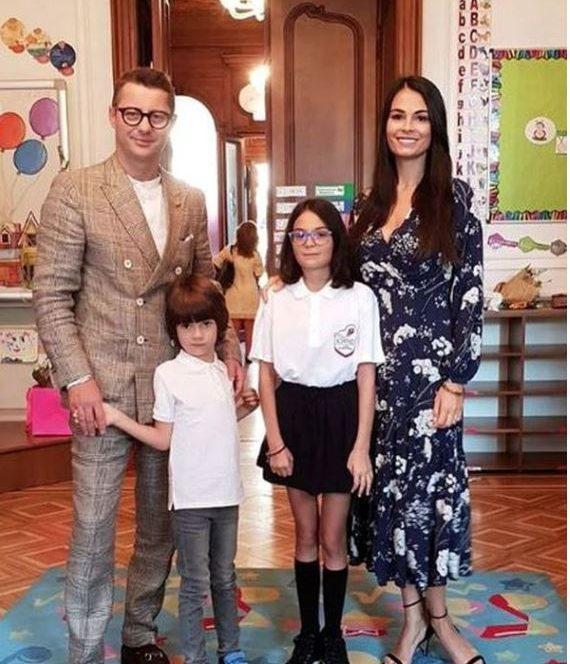 Prima zi de școala pentru Anca Serea și copii săi