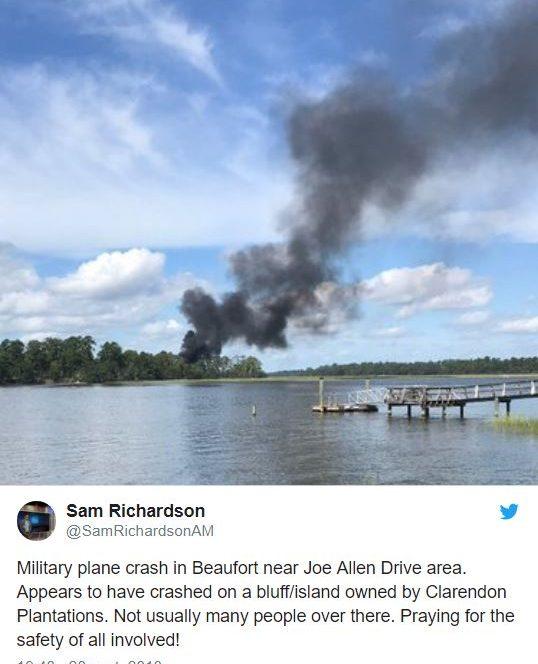 Avionul armatei militare din Statele Unite s-a prăbușit în zona bazei aeriene Beaufort, din zona Carolinei de sud.  Pilonul s-a catapultat, dar încă nu se știe starea acestuia