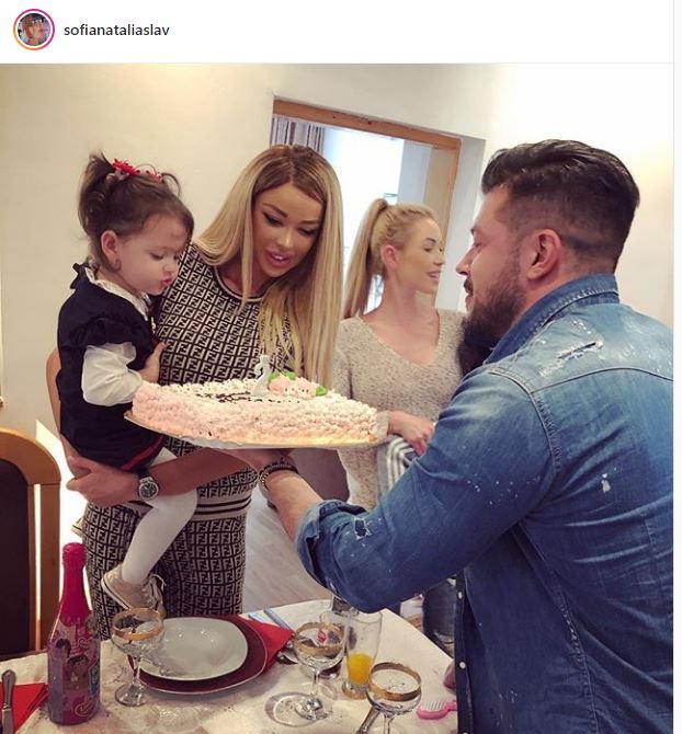 Bianca Drăgușanu și Victor Slav au serbat împreună ziua de naștere a micuței Sofia Natalia