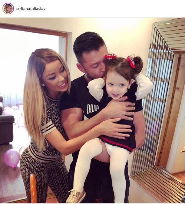 Bianca Drăgușanu și Victor Slav apar într-o imagine de la ziua fetiței lor, acolo unde au serbat-o împreună