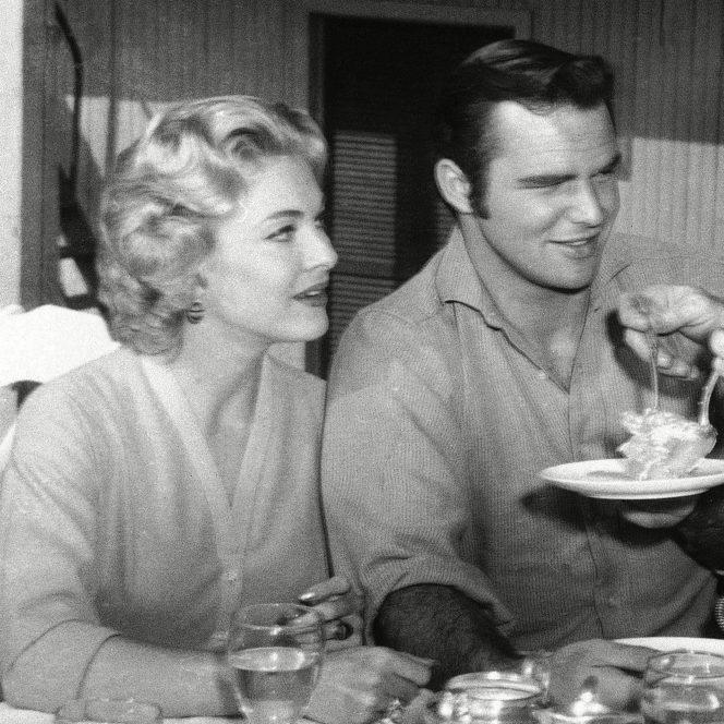 Marele actor american Burt Reynolds a murit.