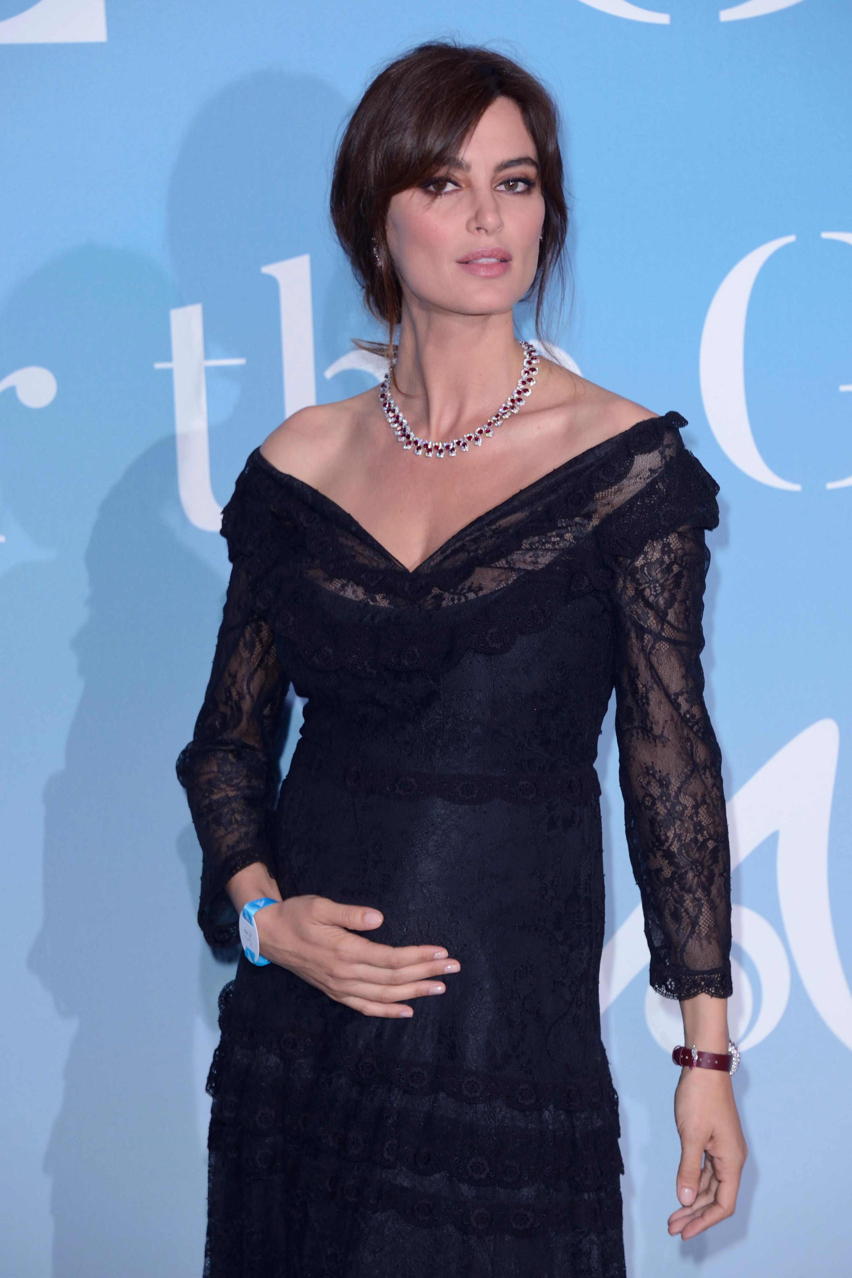 Fotomodelul Catrinel Menghia, prima apariție însărcinată la Gala din Monte Carlo
