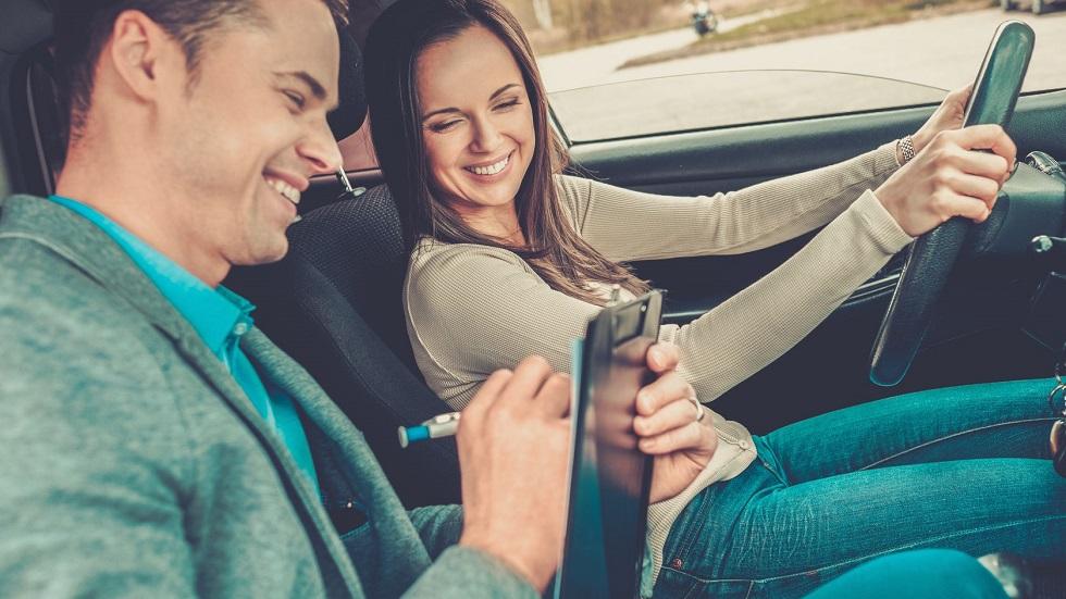 Cea mai bună școală de șoferi trebuie să-ți ofere cel mai bun instructor auto, cu care învățatul șofatului să fie o plăcere