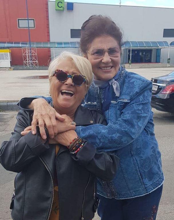 Așa arată Irina Loghin azi, la vârsta de 79 de ani. Artista s-a mai îngrășat puțin, dar este în formă, alături de Mirabela Dauer