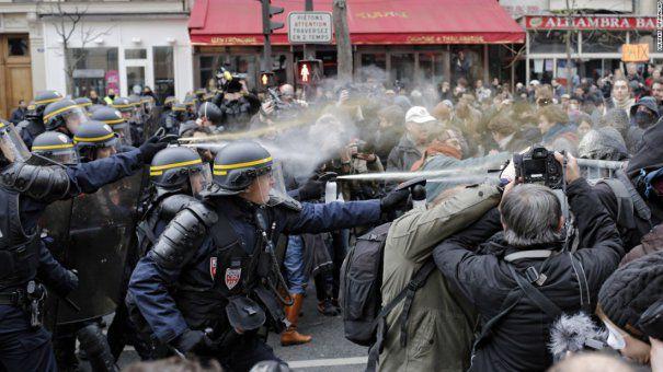 La protestul din 10 august, jandarmii au folosit în exces gazele lacrimogene împotriva protestatarilor