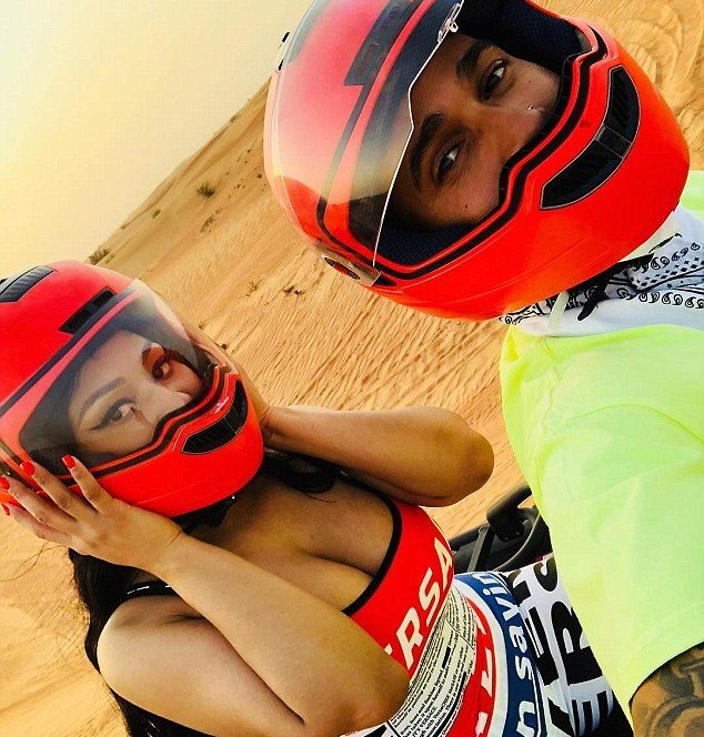 Nicki Minaj si Lewis Hamilton plimbare cu ATV-ul în Dubai