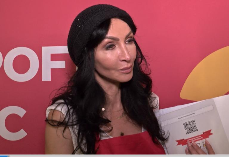 Fata Mihaelei Radulescu A CEDAT! Fanii au luat-o la rost: Femeie batrana! Cum arata fara photoshop Diva de la Monaco