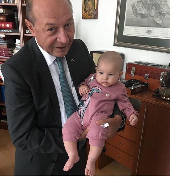 Traian Băsescu alături de cea mai mică nepoată, Anastasia
