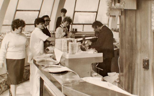 Restaurantul rotativ