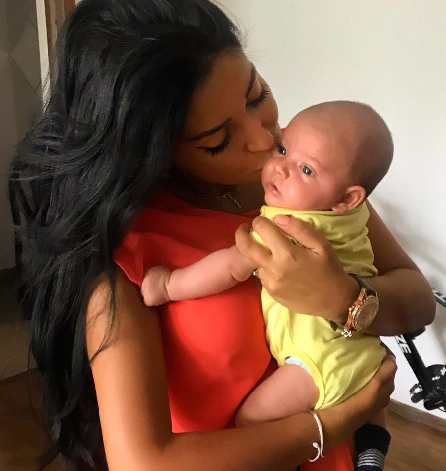 Elena Ionescu scapa de acnee până la botezul fiului ei