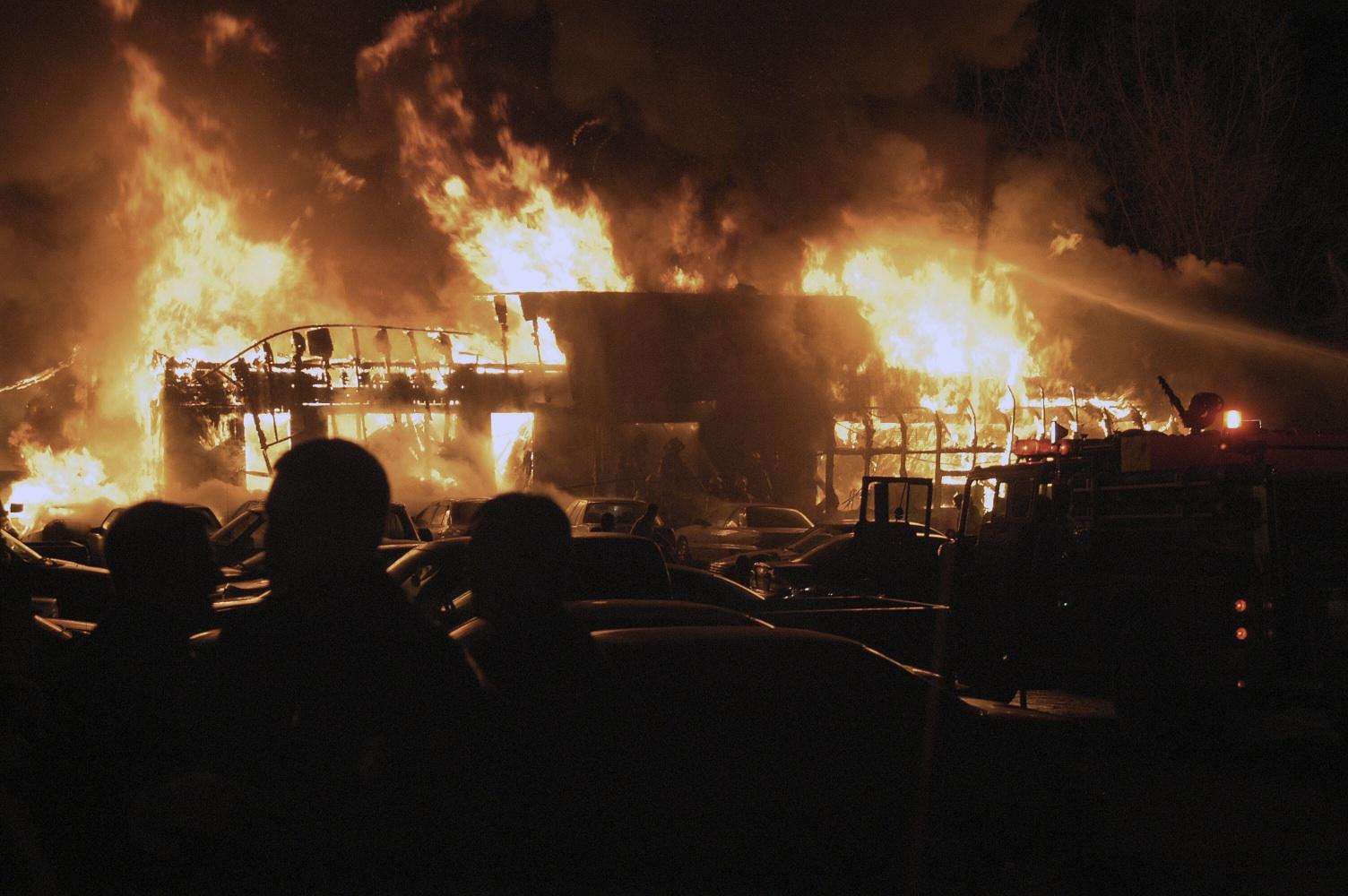 """Iadul """"Colectiv"""" la indigo: Februarie 2003, Rhode Island, SUA, 112 morți"""