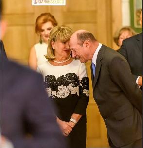 Maria Băsescu a fost o prezență extrem de discretă, la botezul nepoțelei sale