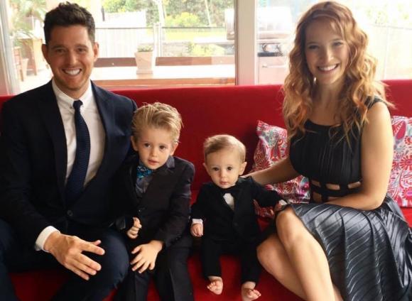 Câtărețul canadian alături de soția și cei doi fii