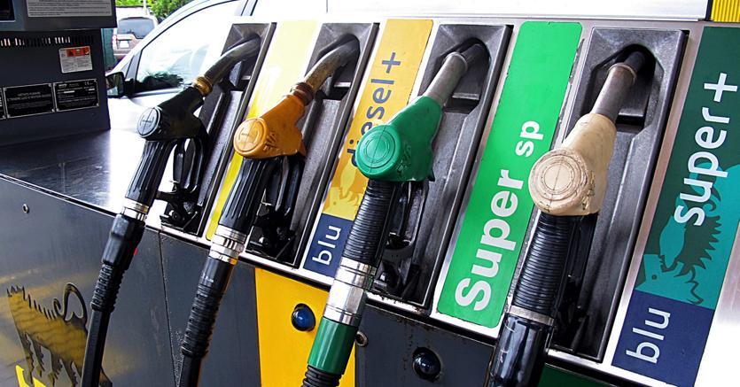 Noile denumiri ale carburanților vor fi aceleași în toate țările UE pentru a ajuta conducătorii auto să nu greșeacă la alimentarea mașinii