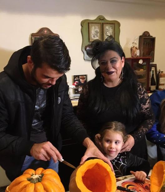 Cum s-a costumat Oana Roman la petrecerea de Halloween