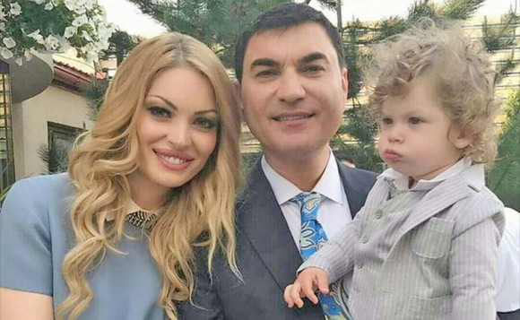 Valentina Pelinel, Cristian Borcea și fiul lor, Milan