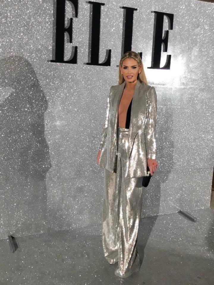 Andreea Bănică, la ELLE Style Awards. Vedeta a purtat un costum argintiu, cu un body extrem de sexy!
