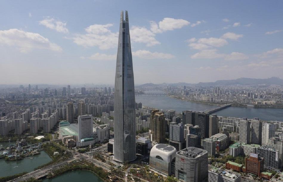 Cele mai înalte 10 clădiri din lume: Lotte World Tower - 555,7 m, 123 de etaje. Cea mai înaltă clădire din Coreea de Sud