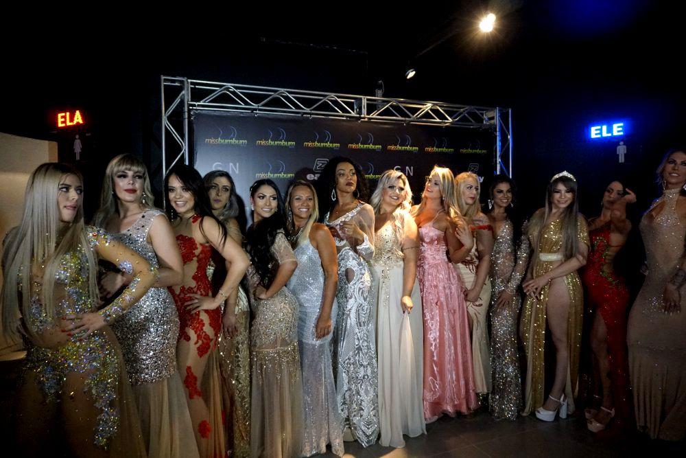 Miss Bumbum 2018 din brazilia a fost bătută pe scenă de o rivala