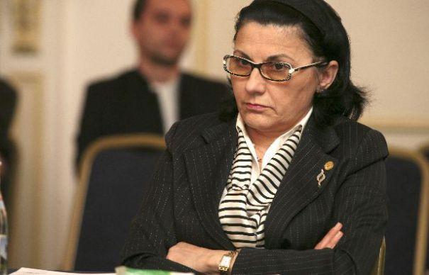 Traian Băsescu nu își dorește ca Ecaterina Andronescu să fie investită în funcția de ministru al Educației.