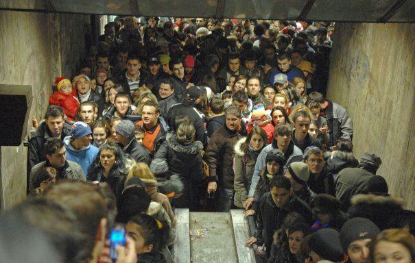 Aproape un milion de călători ar putea fi afectați de o eventuală grevă la metrou