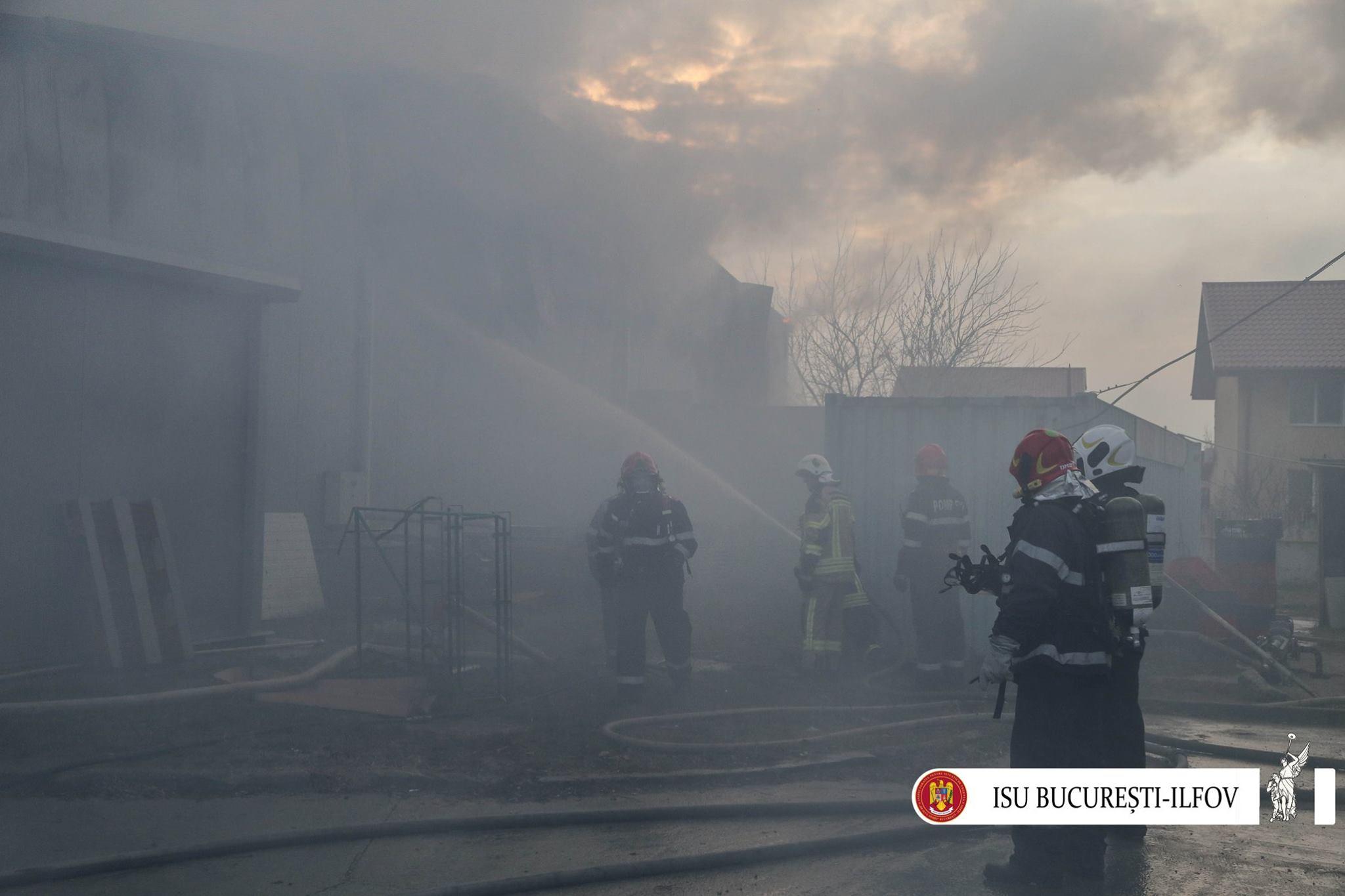 Pompierii au intervenit la stingerea incendiului din Buftea