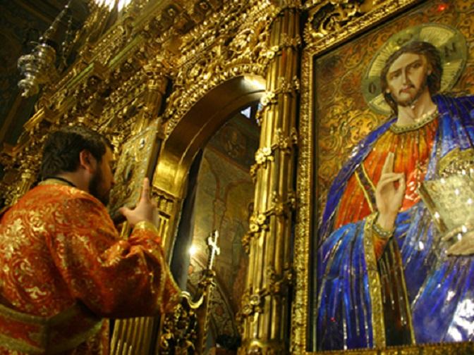 Cinstiți marea sărbătoare a Intrării Maicii Domnului în Biserică prin rugăciune şi ofrande - mîncare de post, peşte şi lumânări - duse la biserică şi sfinţite, pentru sănătate, bucurii, reuşite şi spor