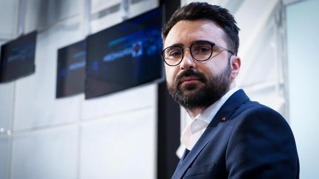 Ionuţ Cristache, realizatorul de la TVR, care are un salariu uriaş la Televiziunea Naţională