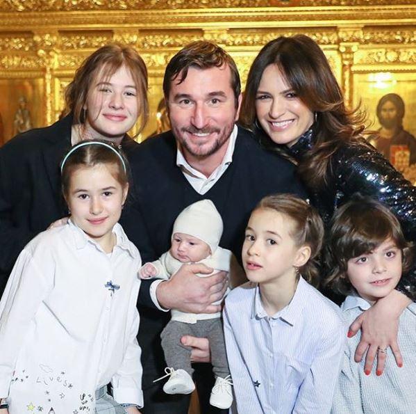 Maria Marinescu și Alin Petrache au o familie frumoasă cu 5 copii