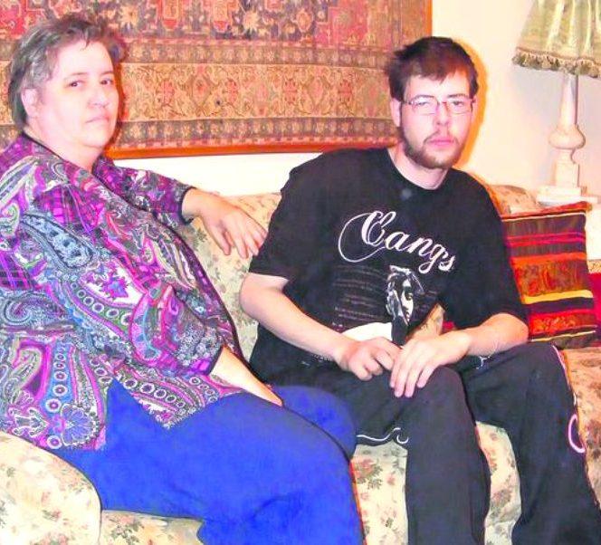 Marieta, prima soție a lui Busu și fiul său secret, Florin Jr.