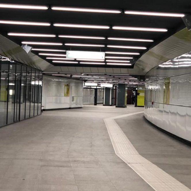 Coridorul de la terminalul multimodal Străuleşti, de la ieşirea din staţie