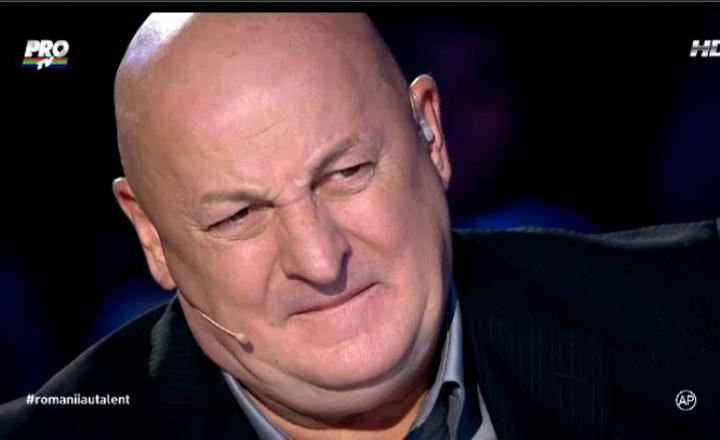 Bebe Cotimanis, în juriul de la Românii au Talent în timp ce urmărea un concurent
