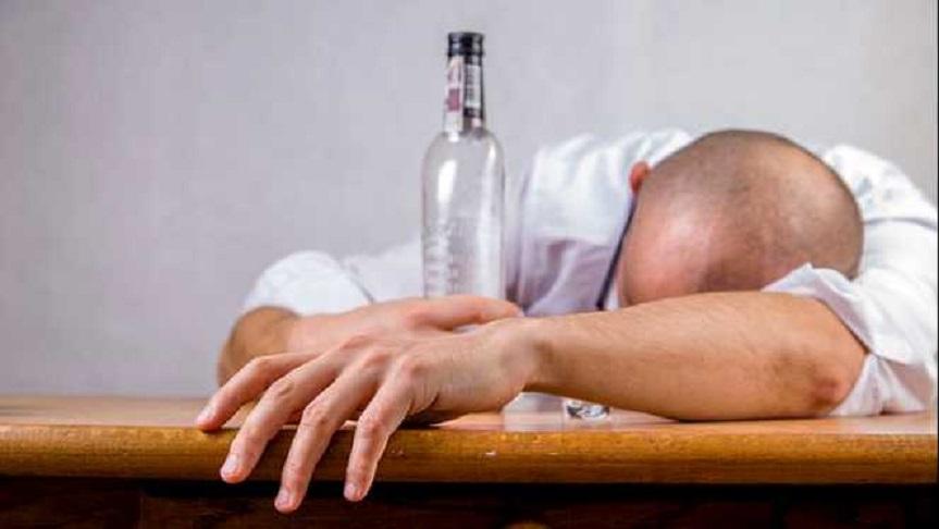 Alcoolul este un dușman perfid nu numai în Postul Crăciunului, ci în fiecare zi a anului și trebuie luptat cu toată mintea deschisă împotriva lui