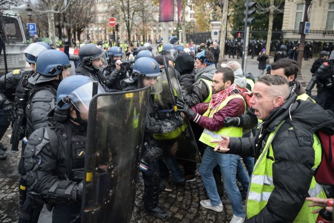 imagini live proteste violente franta