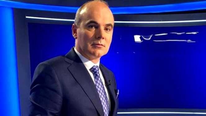 Rareş Bogdan, în studioul de la Realitatea TV în timpul unei emisiuni