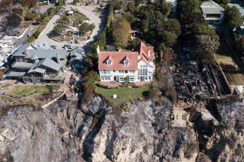 Vila actorului galez Anthony Hopkins nu a fost atinsă în incendiile devastatoare din  California!