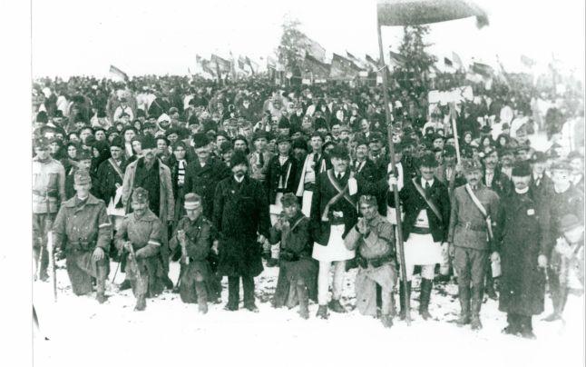 Ziua Națională de la 1 decembrie 1918 a adus la Alba Iulia oameni din toate păturile sociale, de la soldațo la preoți, de la elevi la profesori universitari