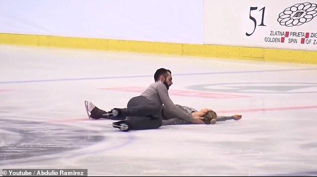 Moment groaznic, la patinaj artistic: a leșinat după ce a fost scăpată în cap de partener VIDEO