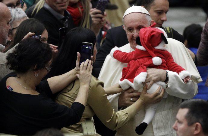 Cum își petrece Papa Francisc ziua de naștere. Azi împlinește 82 de ani