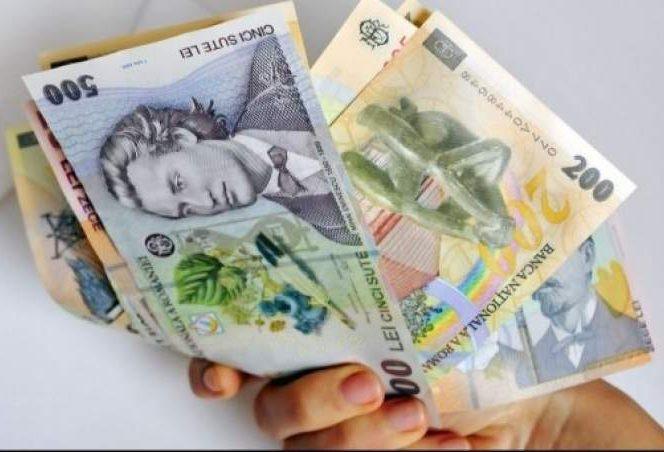 Românii se vor bucura de al 13-lea salariu de sărbători