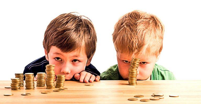 Mai multi bani pentru copii! De la 1 ianuarie, alocatiile pot ajunge si la 300 de lei