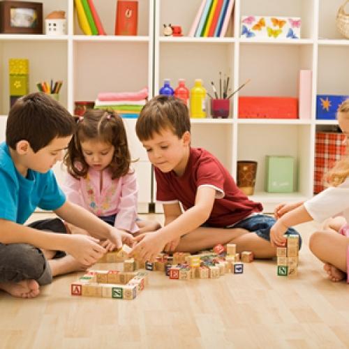 Mai mulţi bani pentru copii de anul următor: Alocaţiile se pot mări de la 1 ianuarie 2019