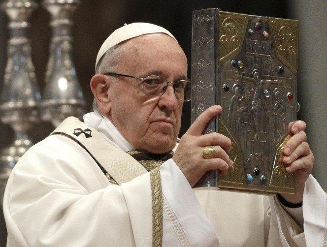 Papa Francisc, Suveranul POntif, nu agreează homosexualitatea în cadrul Bisericii Catolice