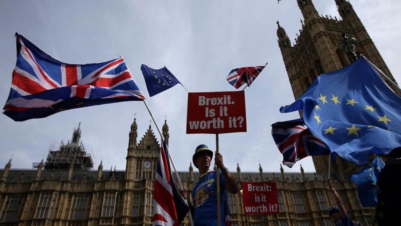 Condiții grele pentru românii care vor să se angajeze în Marea Britanie. Ce se întâmplă dacă ești muncitor necalificat